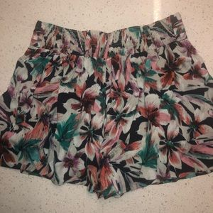 Ella Moss Floral high waisted shorts